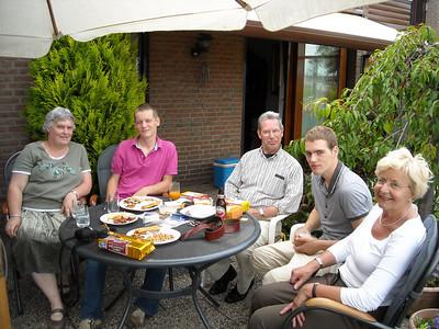 2008-06-22 op bezoek bij (oom) Cees den Hartog en (o)ma Van Alphen