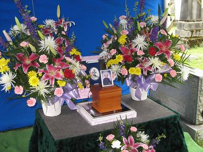 2008-06 Mom D Burial Service Weekend