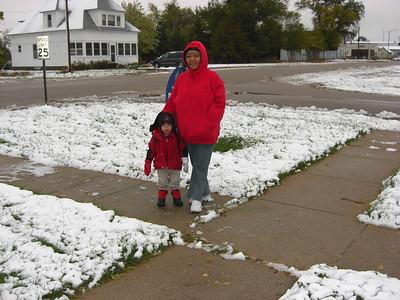 2008-10-23 Gramma Ester 1st Snow