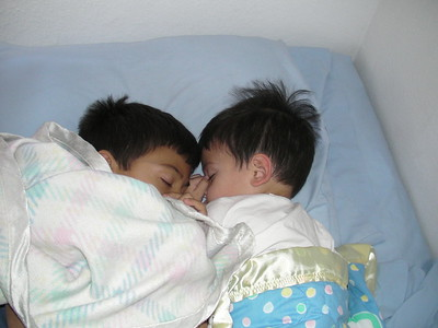 2008-11-01 Brothers asleep