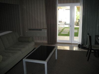 hotel_room_6