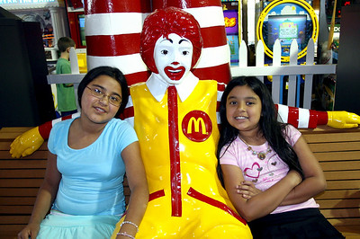 Liz and Jackie with Ronald McDonald