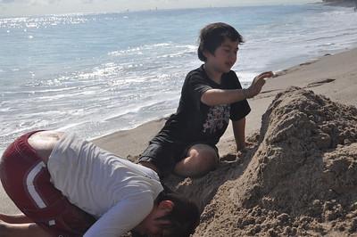 2009 November 21 Beach 010