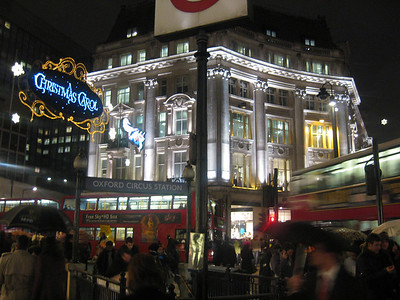 Piccadilly Circus London • Bellmor's London GTHOOD December 2009