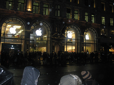 Apple Store Regent Street London • Bellmor's London GTHOOD December 2009