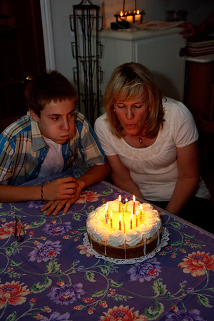 c'mon Joe - you're not even lookin at the candles, and fakin' the blow.  ;)