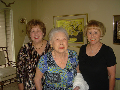 Mildred with nieces Carole and Joan