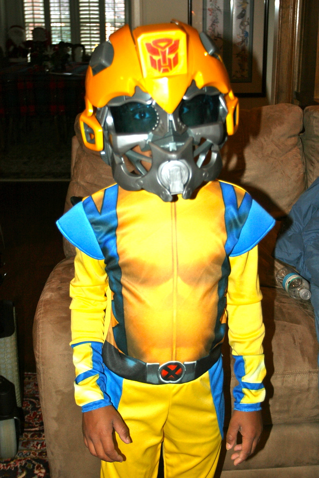 Quamir in the BumbleBee mask