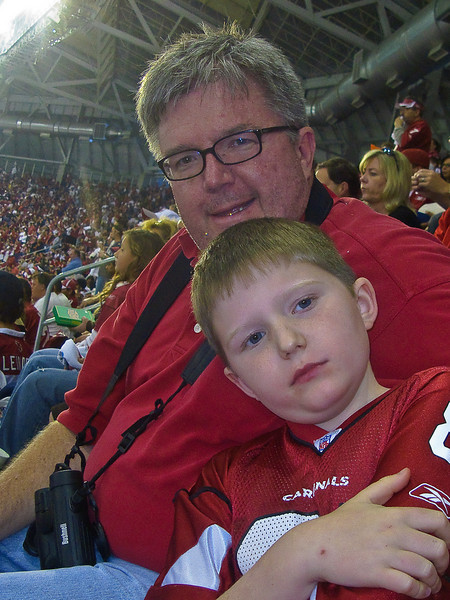 1.3.2009 -- Fun with the Cardinals during the playoff game against the Hawks.