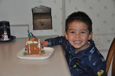 2010-12-27-Dylan Ginger Bread House