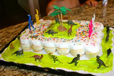 Dino-cake