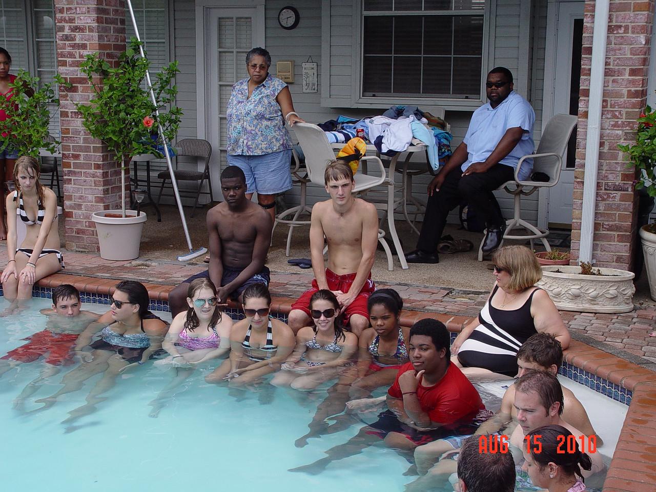 2010-08-15D-group-baptisim 040group