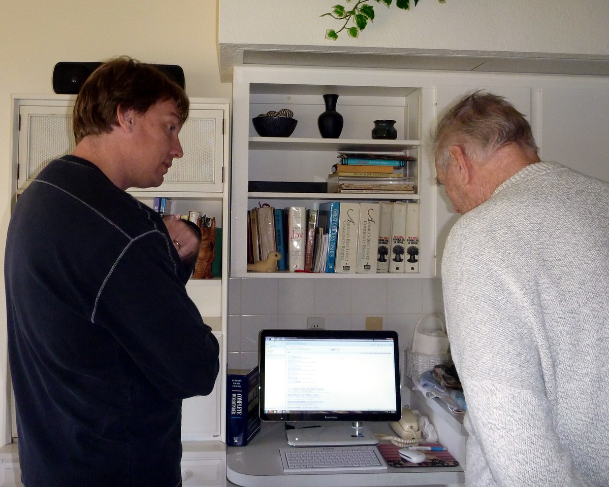 Dave and Lou check out mom's new PC