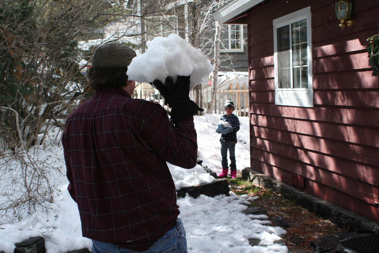 David And Goliath - snowball fight.