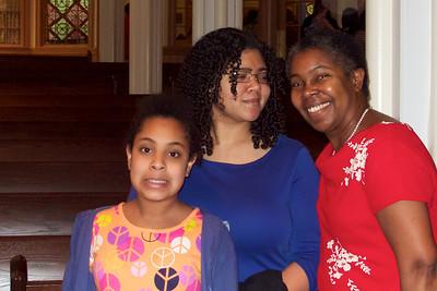 Sophia, Sara and Mom