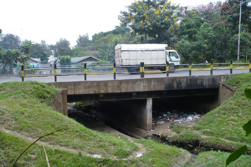 Nairobi Baptist Church - remember this bridge, Annie? We used to run underneath Ngong Road across the sewage here on the way home from One Way Club every Friday with Kofi and Opoku. That way we would avoid having to cross the dangerous road, but sometimes we'd have to deal with scary parking boys underneath...