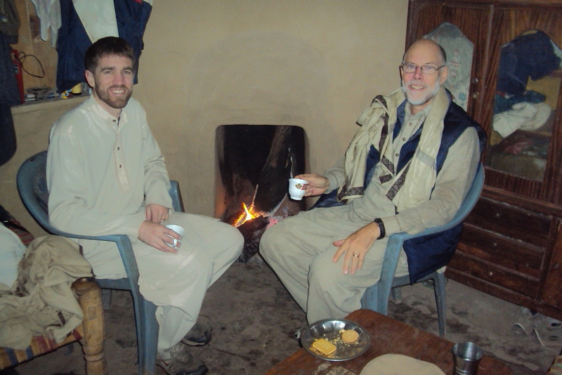 At the halfway point we stopped for a cup of hot chai at our host's sister's house