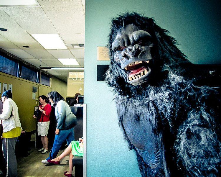 "Jenny has no idea that her next guest ""Joe Young"" is actually MIGHTY JOE YOUNG!<br /> <br /> A couple of the girls in the guest waiting area got scared, and it was tough trying to get them to act casual and not spoil the surprise."