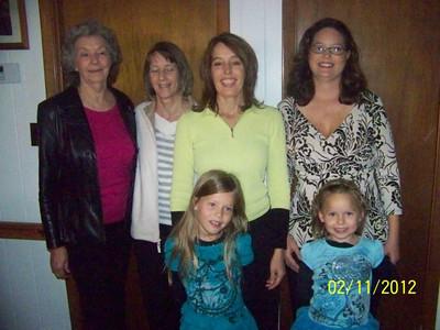 Betty Jo Thomas, Kathy Thomas, Cindi Thomas Hayes, Nancy Thomas Scott, Hope Scott (6), Faith Scott (4)