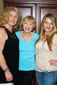 Mom,Maddie,Tessa811