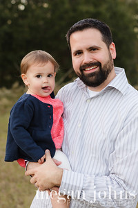 11-23-2012  Here's a little sneak peek of our  family photos.  After all the group shot was taken I snapped a few of Patrick and Lilla.  We got a nice family shot that will make it's appearance in the Christmas cards!