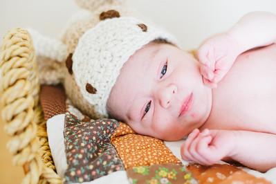 20120925-Levi-newborn-40