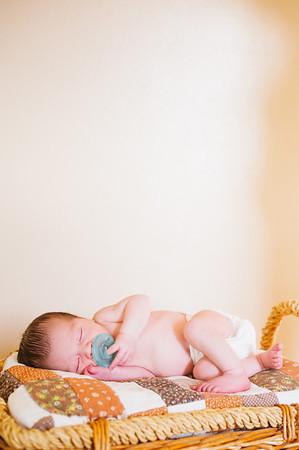 20120925-Levi-newborn-80