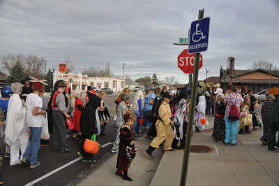 2012-10-31 Bassett Halloween Parade
