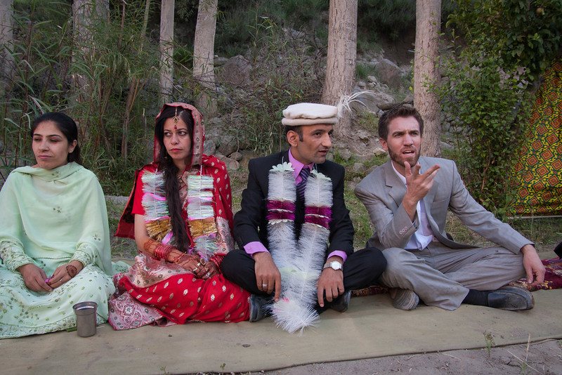 We had an outdoor meal at Rehman's house with the bride and several dozen guests from her village who had accompanied her