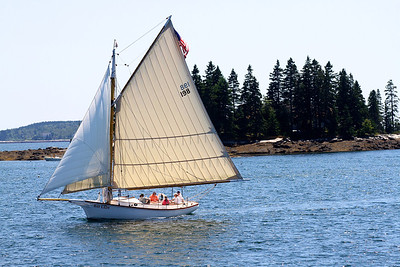 This type of boat used to be the primary vessel of solo lobstermen.