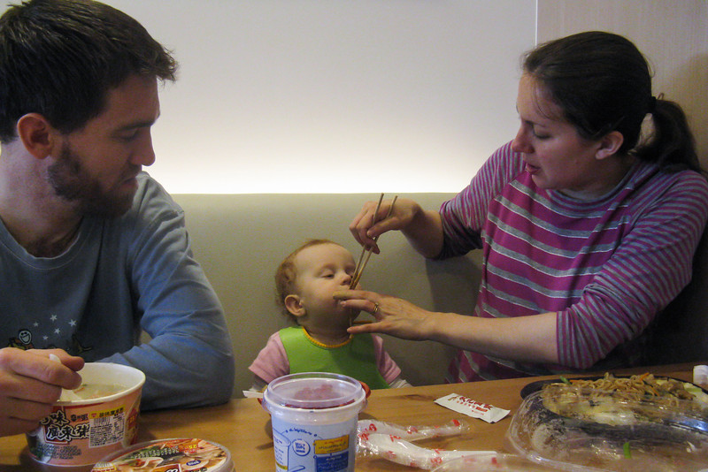Sienna learned to eat noodles from chopsticks in Taiwan :-)