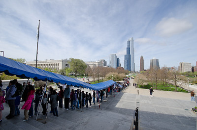 Long line outside of Shedd Aquarium, Chicago.  Lesson learned: buy tickets online!