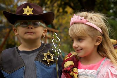 2013-1026_Halloween_Costumes_089