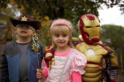 2013-1026_Halloween_Costumes_092