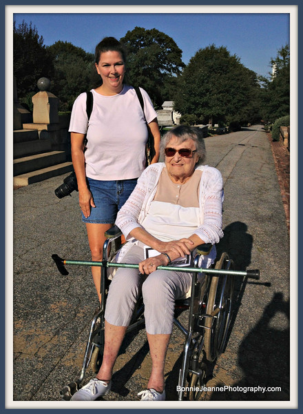She was kind enough to bring a wheel chair so Mom didn't have to walk through the cemetery.