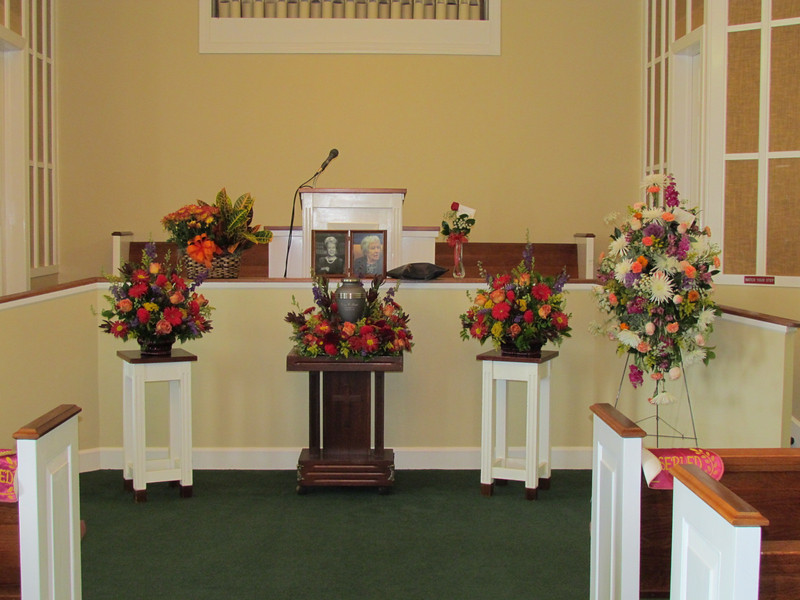 Funeral for Elaine Gould, age 88, Raymer Kepner Funeral Home, Mooresville, NC, 9/28/2013