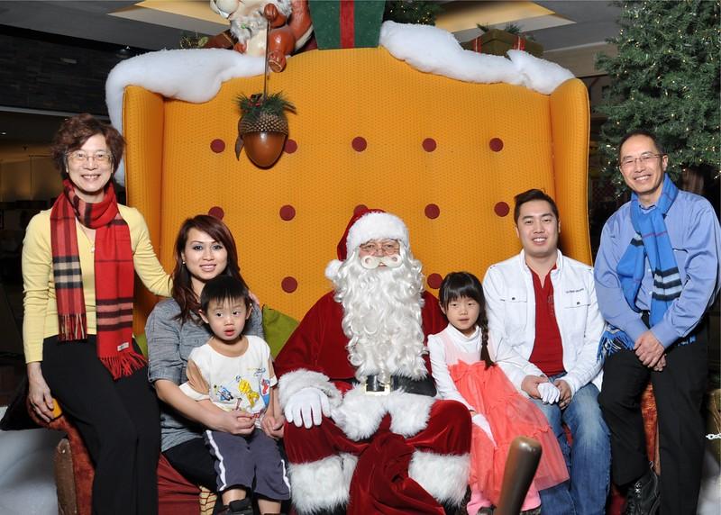 2014 Dec Family Xmas photo.