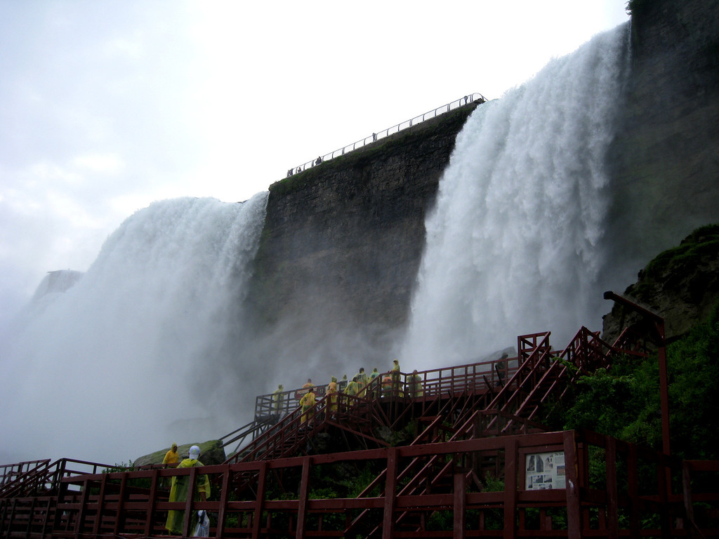 Deck at bottom of the American Falls