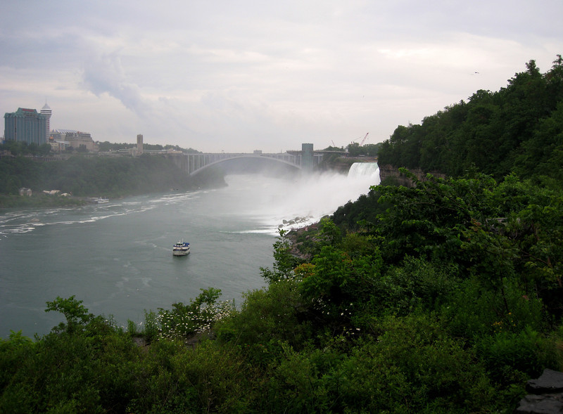 View back towards the American Falls from the Horseshoe Falls observation deck on Goat Island.