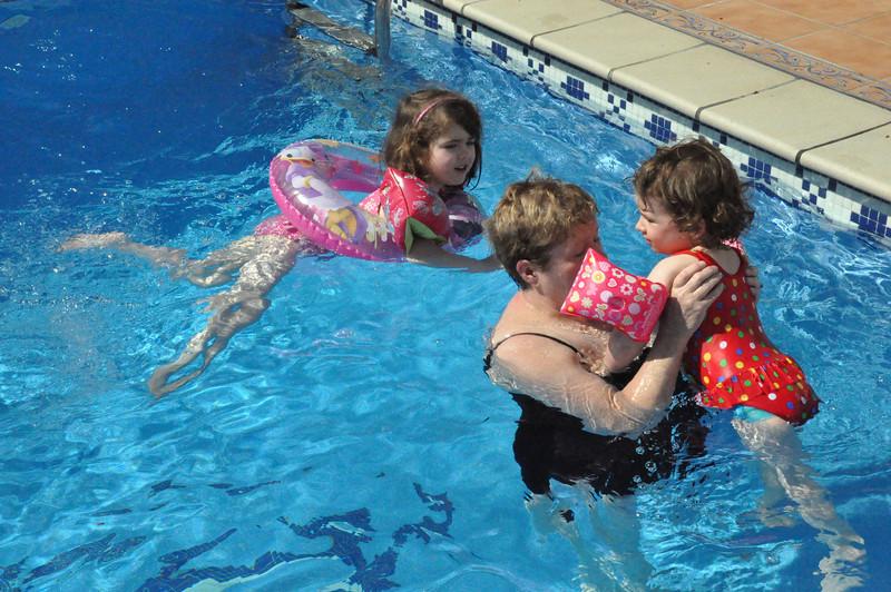 2013_alhaurin_swimming_pool_granny_anna_rachel_1