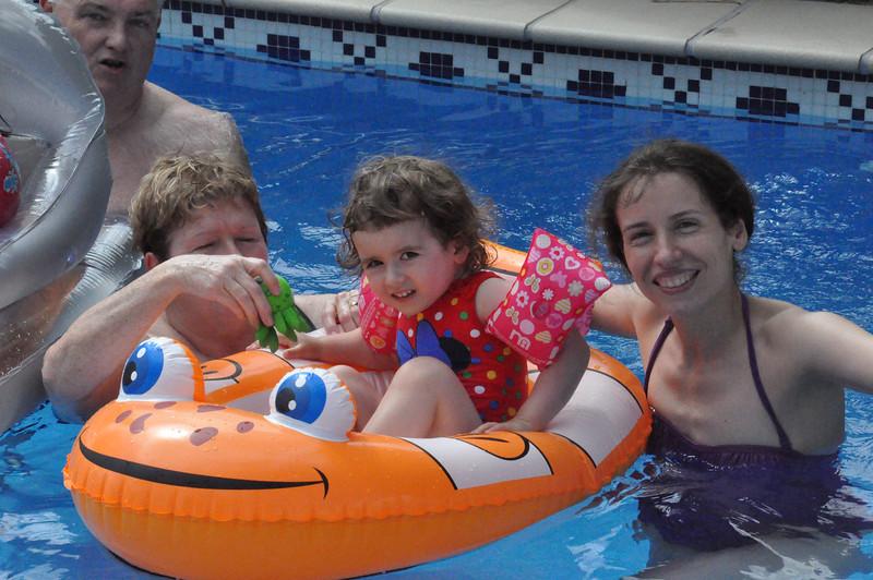 2013_alhaurin_swimming_pool_hazel_anna_1