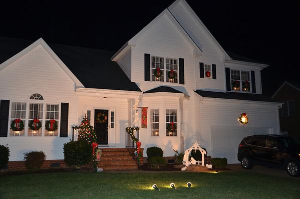 2013-12-Christmas-House
