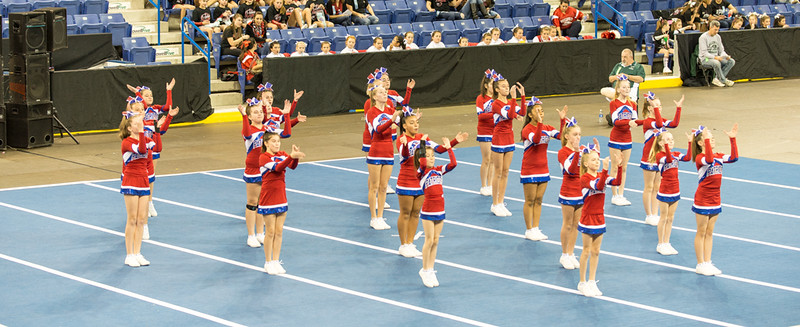 2014 Burlington Cheerleaders at Lowell