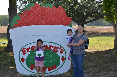 May 19, 2014 - Picking strawberries at Frobergs