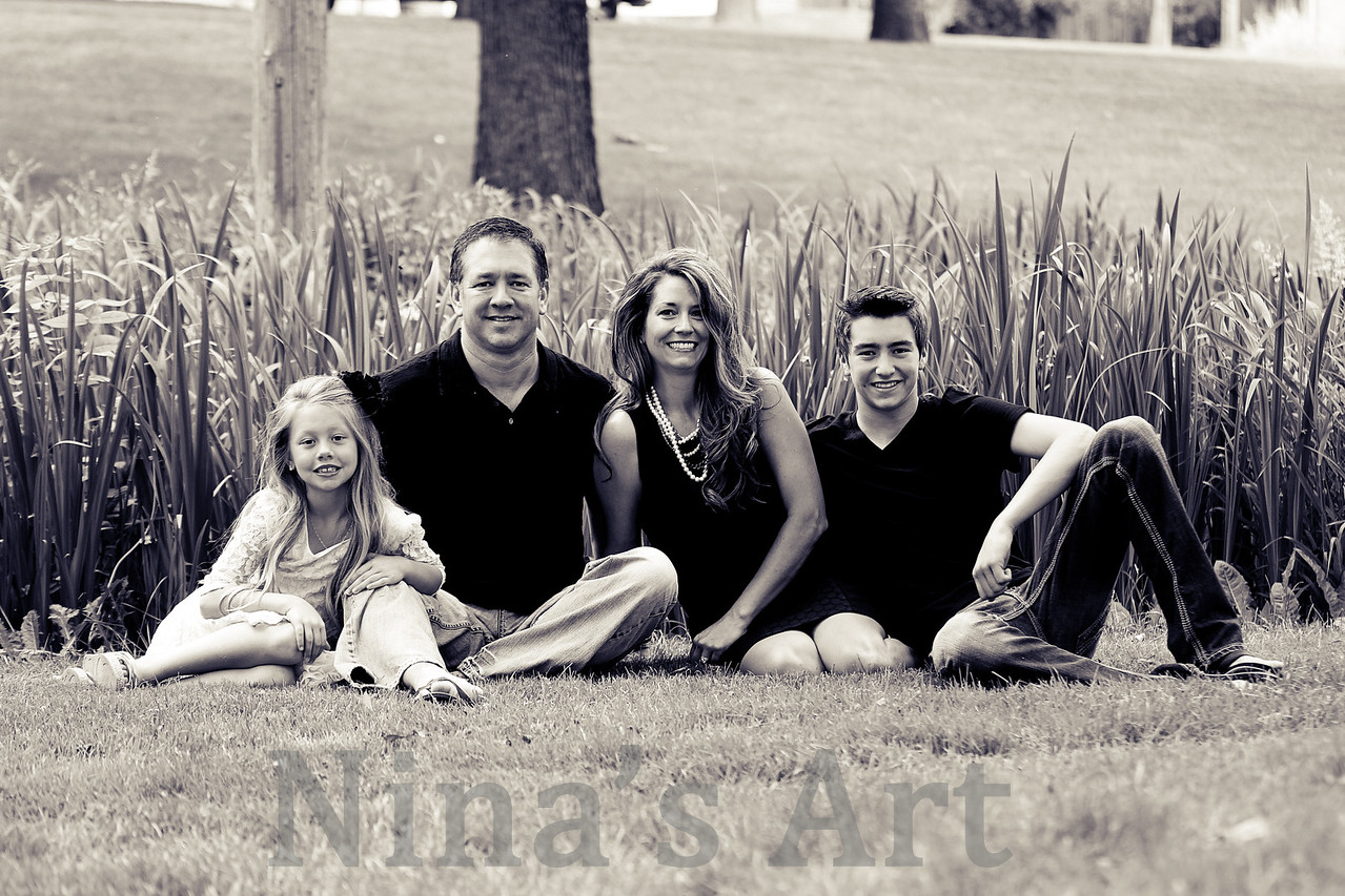 Logan Family June 2015 (3)bw