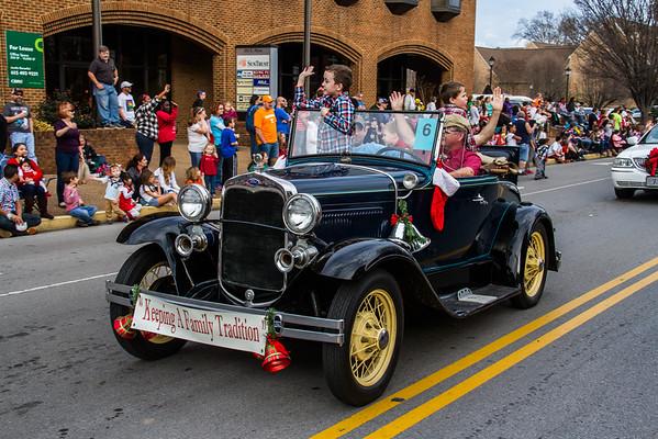 2015-12-13 Murfreesboro Christmas Parade