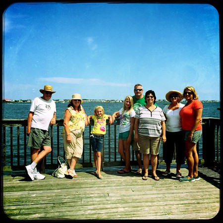 Davy, Carol, Mackensey, Jordyn, David Gordon, Susan, Liz and Tracy at Fenwick Island, Delaware (USA). August 2015