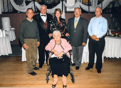 John, Larry, Sue, Eddie, Jim & Jean Howell Oct 13, 2007