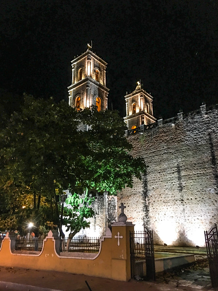 Main church in Valladolid after nightfall - Shot on iPhone 6S Plus