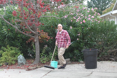2016-10-25 Garden and Dad
